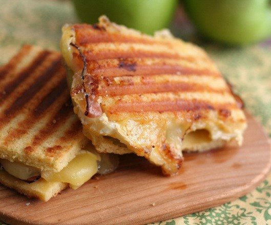 brie-ham-and-green-apple-panini